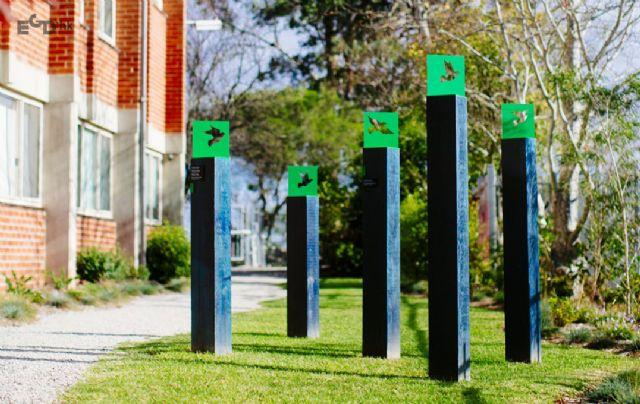 墨尔本女子学院导视系统欣赏创意雕塑设计图