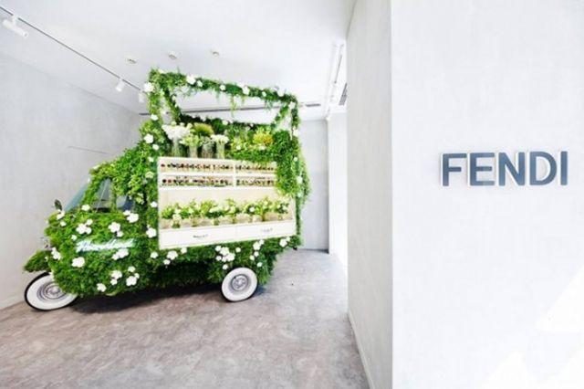 """""""花花世界""""商场绿色美陈装置橱窗陈列设计图"""