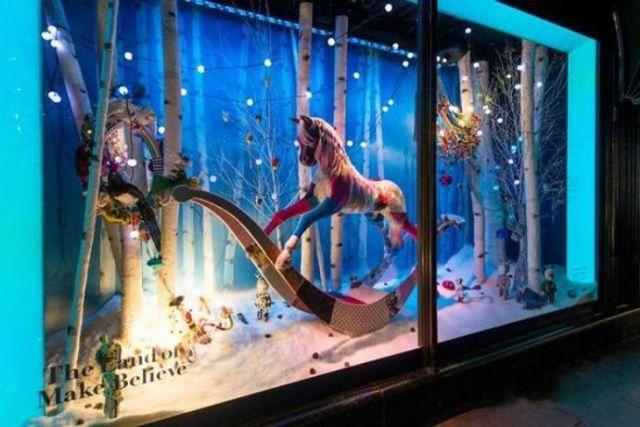 商场橱窗圣诞美陈设计案例橱窗陈列设计图