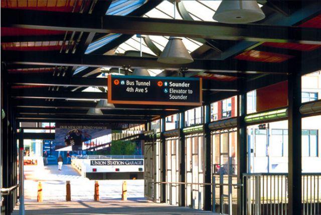 西雅图交通标识导向系统设计交通指示设计图