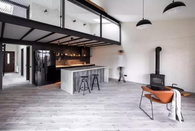 小空间 · 简约灰色调轻工业风Loft